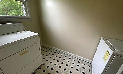 Bathroom, 125 Hillcrest Dr, 2