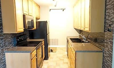 Kitchen, 5830 Oakwood Dr 4L, 1