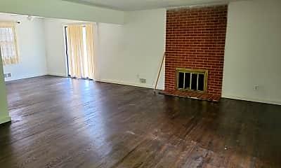 Living Room, 405 Zoll St, 2