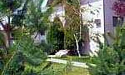 Terrace Green, 1