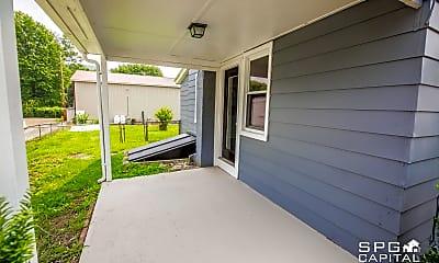 Patio / Deck, 422 N High St, 2