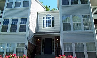 Building, 905 Woodbridge Ct M, 1