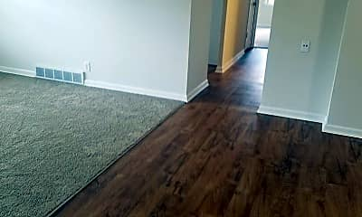 Living Room, 601 Broadmoor Dr, 1