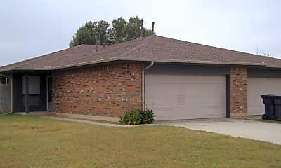 Building, 809 N Eagle Ln, 0
