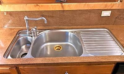 Kitchen, 7680 Forest St, 1