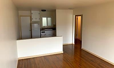 Living Room, 4240 Mission St, 1