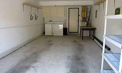 Living Room, 72 Village Cir Dr, 2