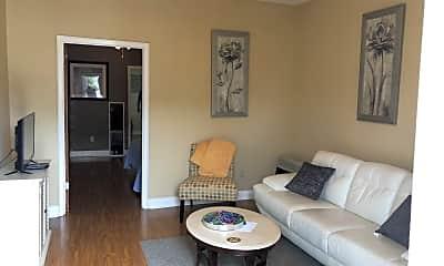 Living Room, 926 N Salcedo St, 1