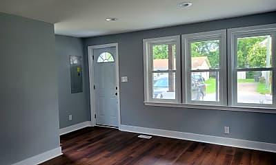 Living Room, 1317 Summit Ave, 1