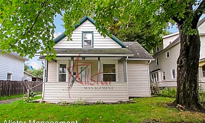 Building, 653 Sumner St, 0