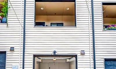 Bathroom, 2315 E Fairmount Ave, 2