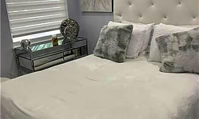 Bedroom, 324 N Lake Dr, 1