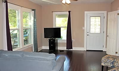 Living Room, 407 N Chappell Hill St, 1