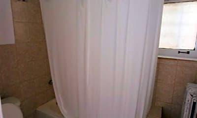 Bathroom, 668 W Sheridan Rd, 2