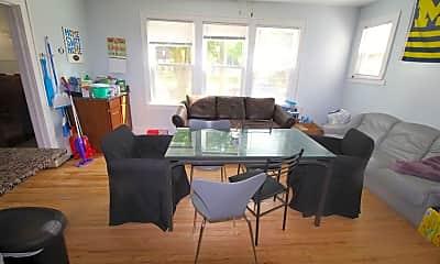 Dining Room, 546 Walnut St, 1