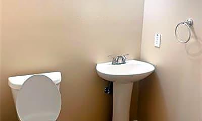 Bathroom, 311 Milton St, 2