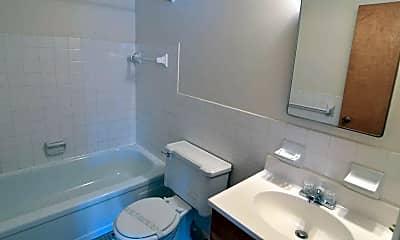 Bathroom, Blossom Court Apartments, 2