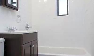 Bathroom, 610 Flatbush Ave, 2