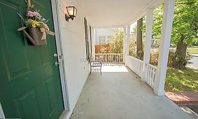 Patio / Deck, 303 Hazel Ave, 2