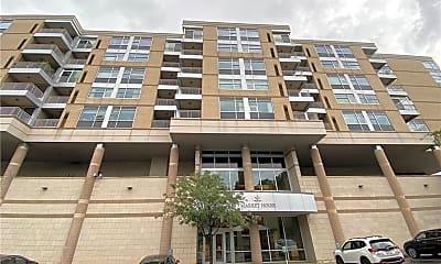Building, 5570 Centre Ave 211, 1