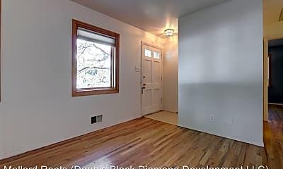 Building, 2820 S Ivanhoe St, 1