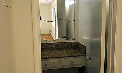 Bathroom, Arlington Apartments, 2