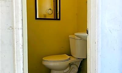 Bathroom, 5165 Peacock Ln, 2