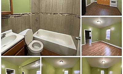 Bathroom, 453 S 18th St, 0