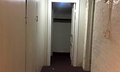 Bathroom, 1116 S 9th St, 2