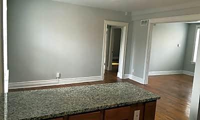 Bathroom, 3304 Russell Blvd, 1