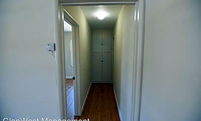 Bathroom, 808 W Glenoaks Blvd, 2