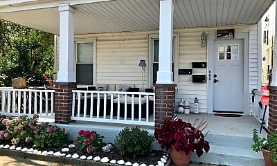 Patio / Deck, 64 Heck Ave 1, 0