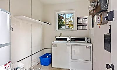 Kitchen, 206 4th St, 2