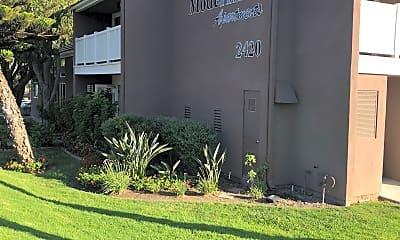 Modernaire Apartments, 1