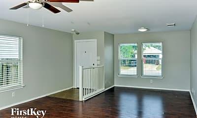 Living Room, 6515 Highland Grass, 1