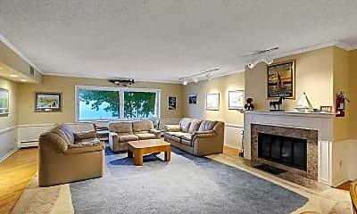Living Room, 4371 Wilshire Blvd, 2