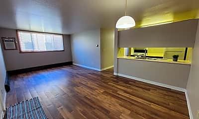 Living Room, 1606 8th St N, 0