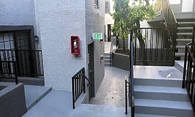 Patio / Deck, 520 N Hollywood Way, 2