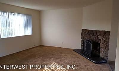 Living Room, 2590 SE 167th Ave, 1