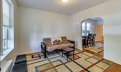 Living Room, 4738 n Lavergne ave, 1