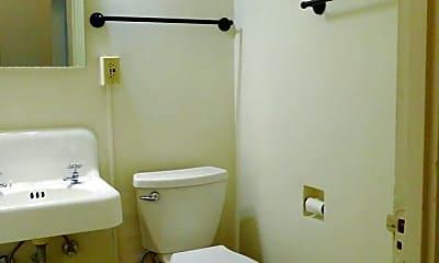 Bathroom, 420 13th Ave E, 2