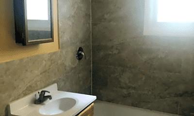 Bathroom, 257 Lehigh Ave, 2