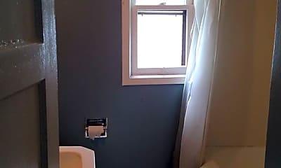 Bathroom, 34 Fairfield St, 2