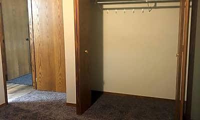 Bedroom, 1336 Meadow Ln, 2