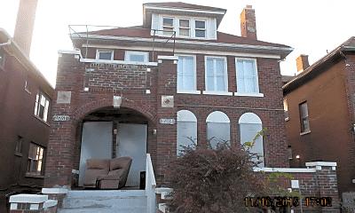 Building, 16161 Fairfield St, 1