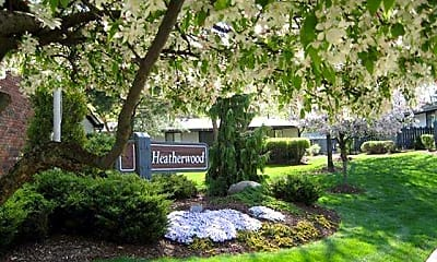 Landscaping, Heatherwood Apartments, 2