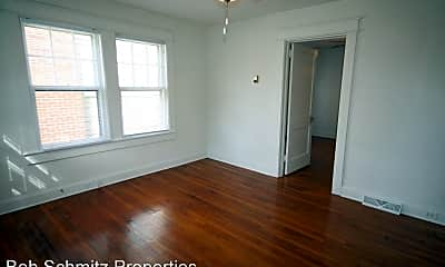 Bedroom, 1100 N Buchanan Blvd, 1