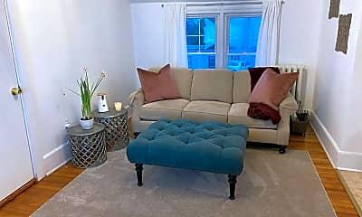 Living Room, 502 Warren St, 1