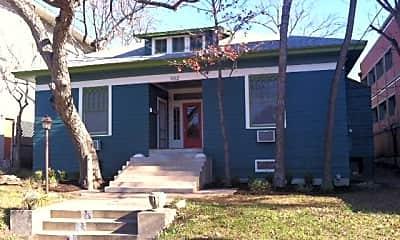 Building, 302 E 30th St, 1