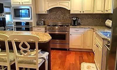 Kitchen, 29 N Iroquois Ave, 1